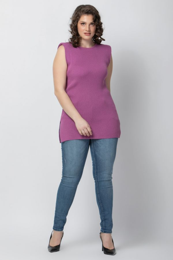 Soft cotton knit long top with padded shoulders in violet colour