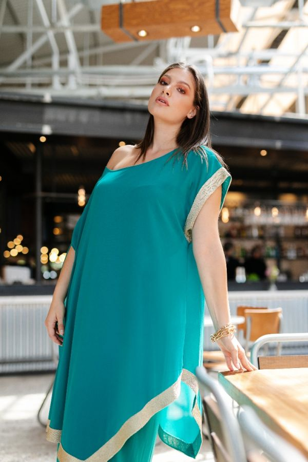Dress with removable tunic and gold details in mint colour