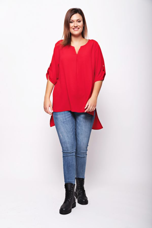 Blouse with front box pleat in red colour