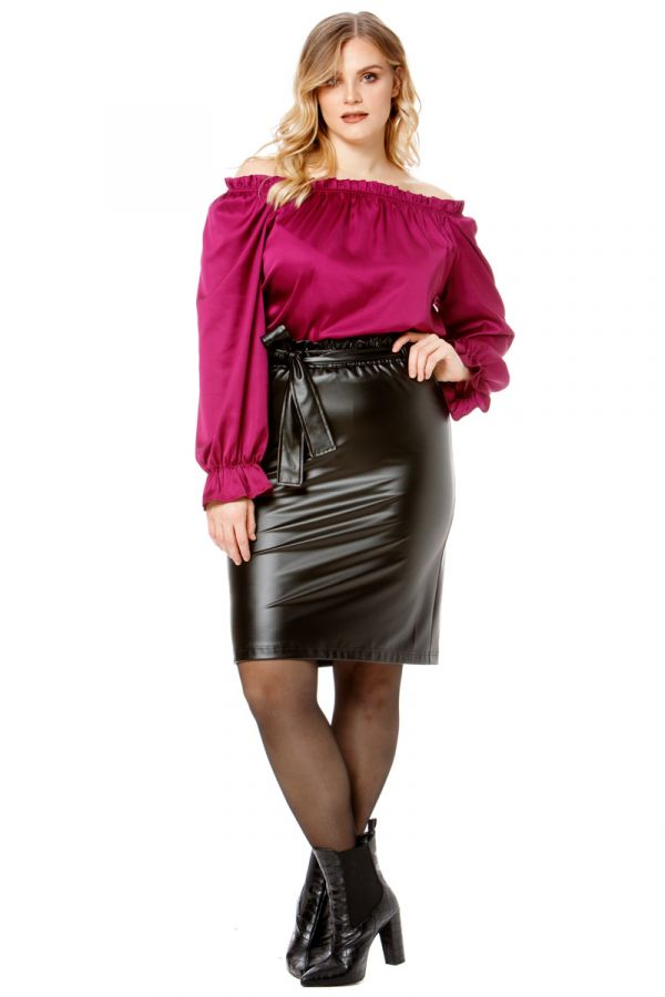 Leather-like mini pencil skirt with belt in black colour