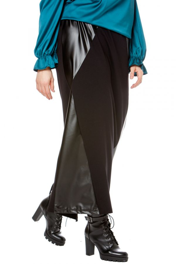 Maxi skirt with leather-like details in black colour