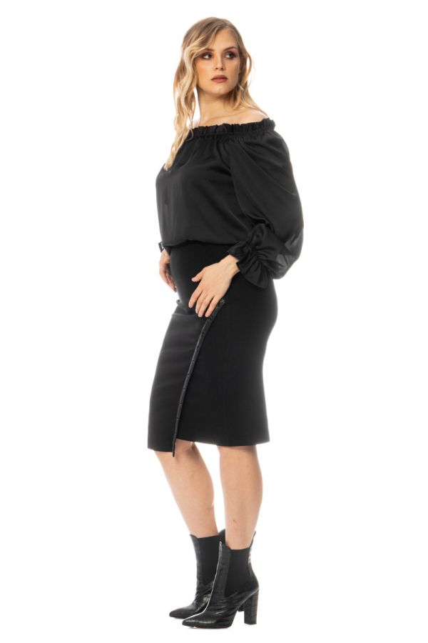 Midi skirt with leather-like details in black colour