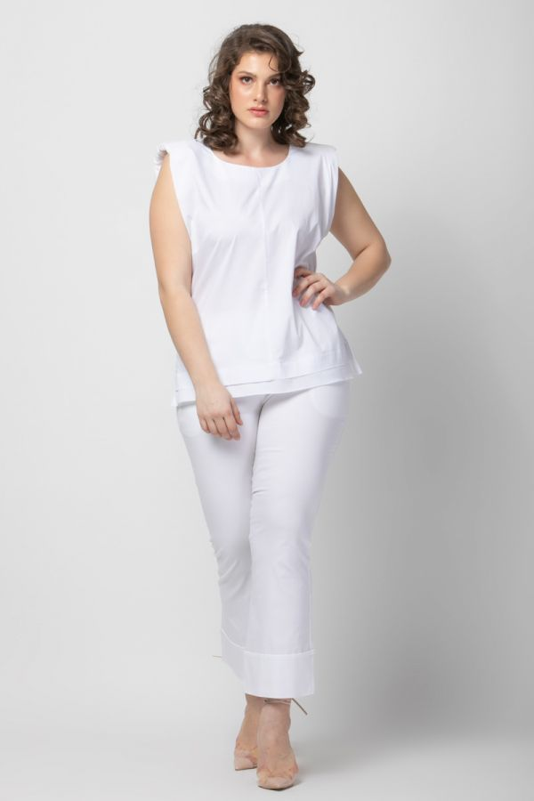 Poplin top with padded shoulders in white colour