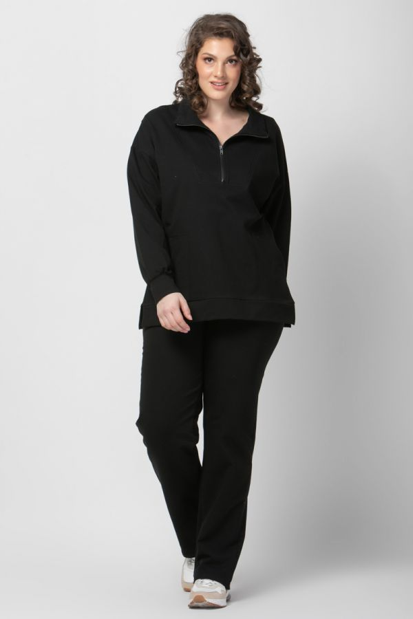 Sweatshirt with zipper on the collar in black colour