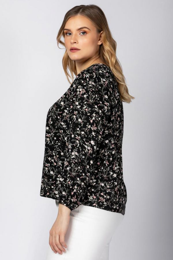Floral blouse with balloon sleeves