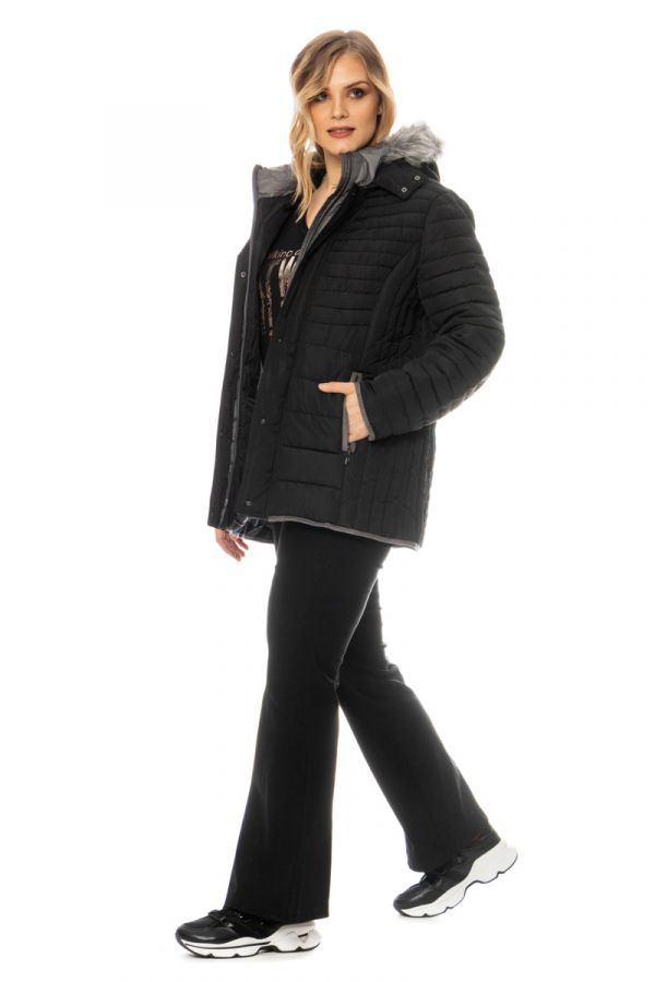 Quilted puffer with faux-fur hood in black colour