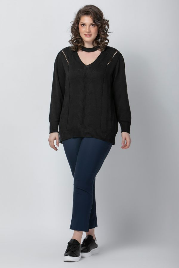 Knit jumper with choker detail in black colour