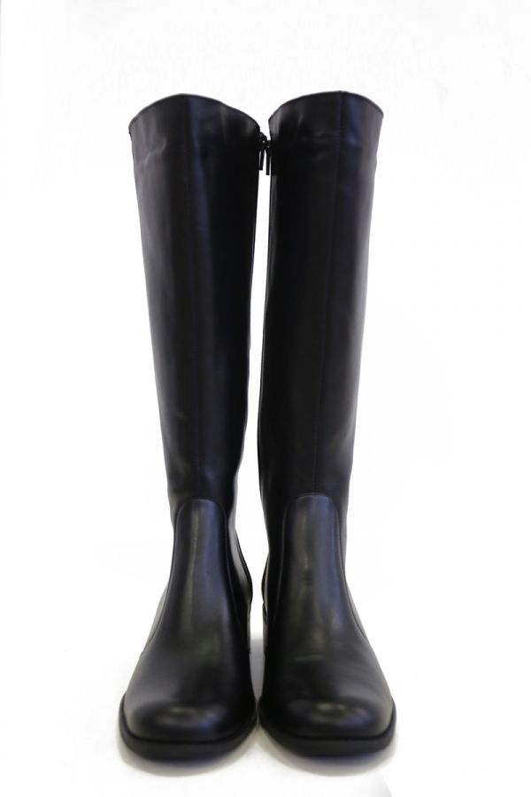Real leather wide calf knee-high boots in black colour