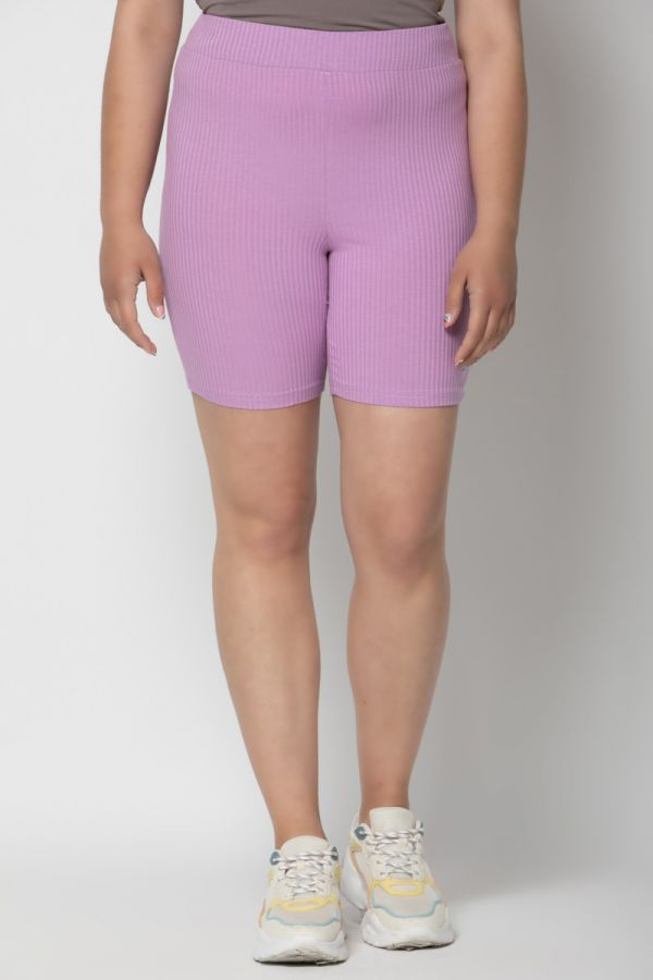 Ribbed shorts in lilac colour