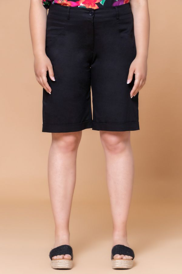 Chino long shorts in black colour