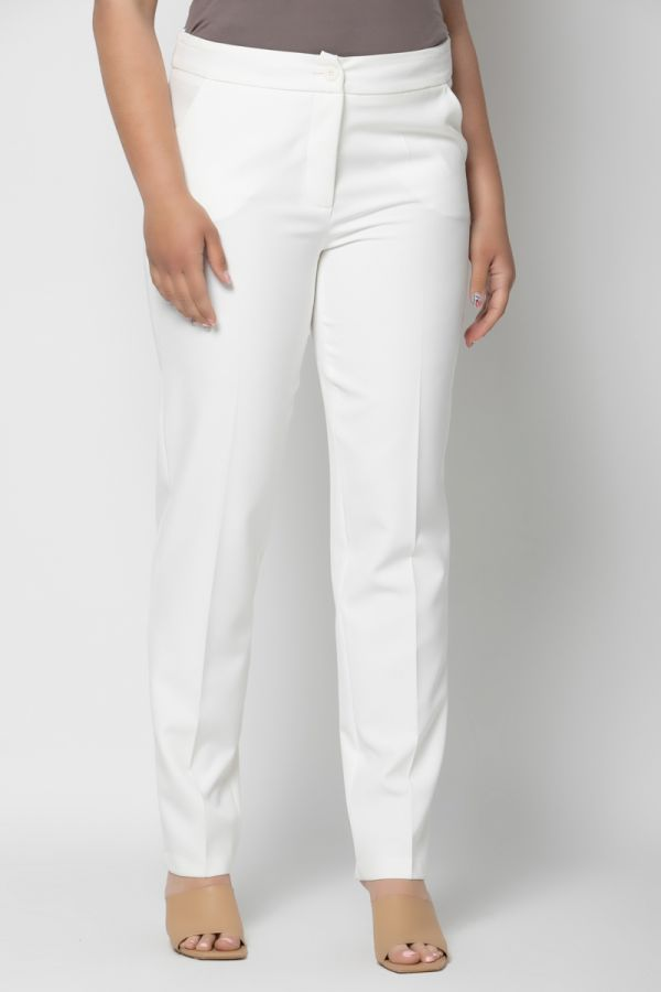 Cigarette trousers with side pockets in ecru colour