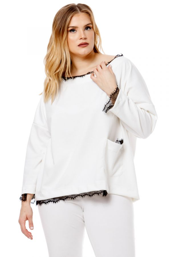 Blouse with pocket and lace details in ecru colour