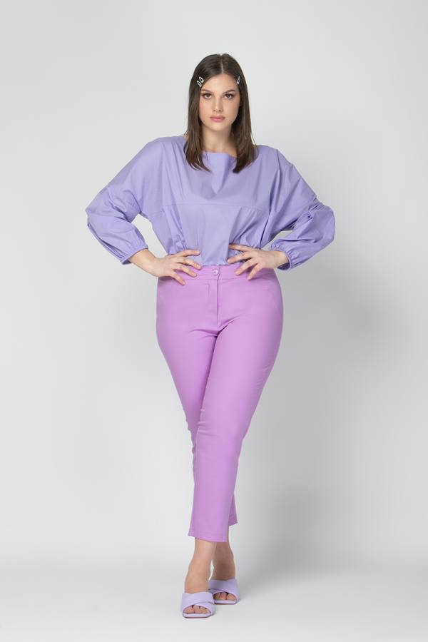 High-waisted cropped trousers in lilac colour