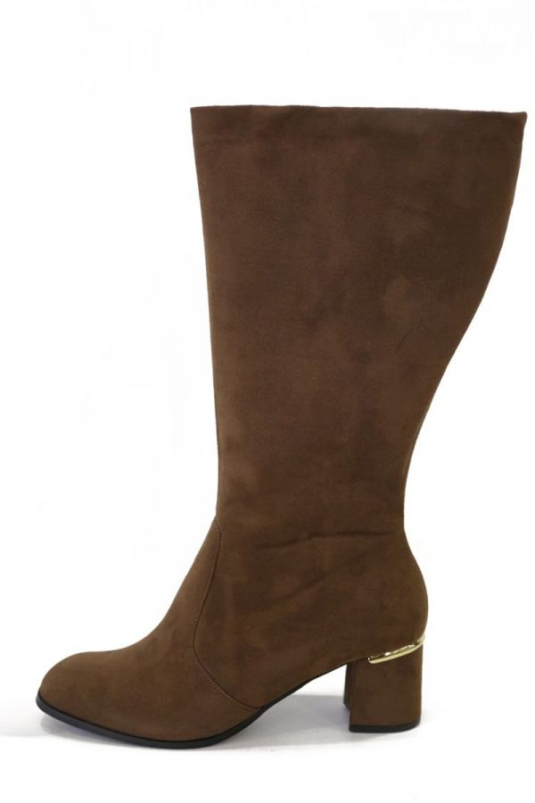 Suede-like boots in brown colour