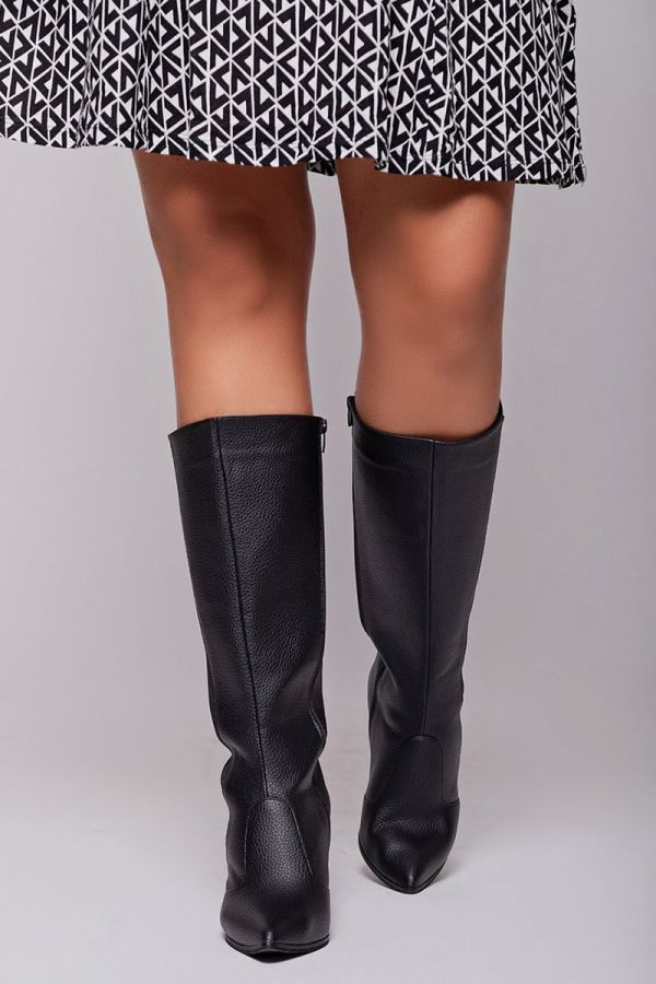 Leather-like wide calf boots with elasticated insert in black colour