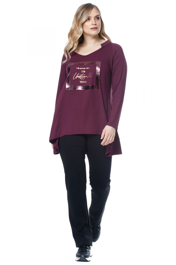 Loose asymmetric blouse with print in purple colour