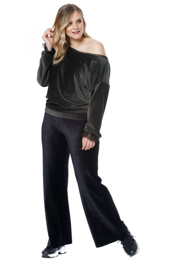 Velour wide leg trousers in black colour
